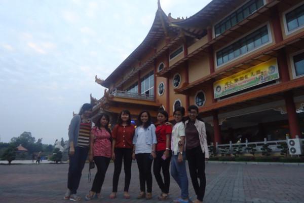 Foto bersama para siswa